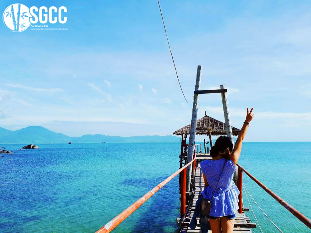 Summer tourism in Da Nang is fascinating